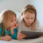 Electronics in the bedroom doubles risk of obesity in kids